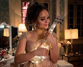 c51fb286c8225 O filme nacional Meus 15 Anos que conta com Larissa Manoela no papel  principal, acaba de ganhar um teaser trailer com direito a música inédita  gravada pela ...